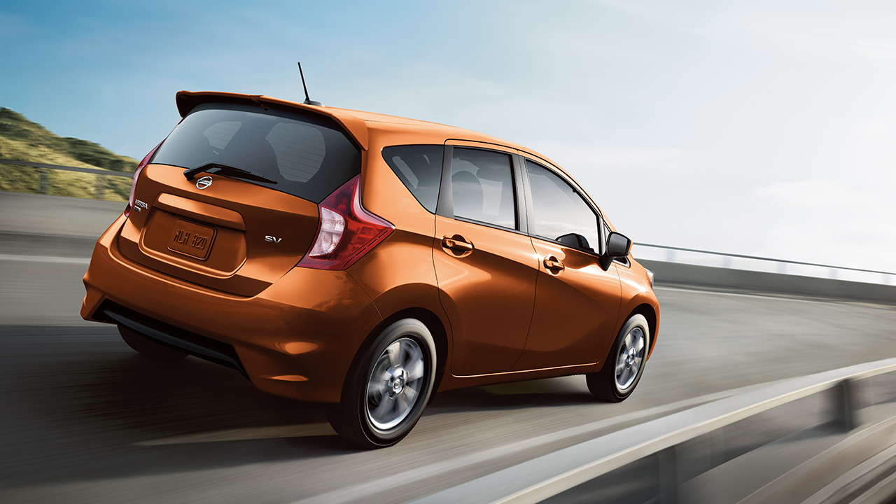 The 2017 versa note is powered by a 1 6 liter dohc 16 valve 4 cylinder engine matched with a next generation nissan xtronic transmission helping these